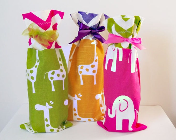 Baby Shower Wine Bags, 3 pack Hostess Gifts, Wine Bags, Wine Sack Favors, Wine Caddy, Baby Shower, 3 pack, Hostess Gifts, Housewarming Gift