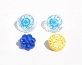 Vintage flower buttons shank 4 buttons blue flower buttons yellow flower button vintage flower shaped button