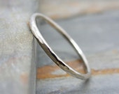 Simple Thin 14k White Gold Wedding Band in Choice of Finish - Smooth, Hammered, or Brushed / Matte / Satin