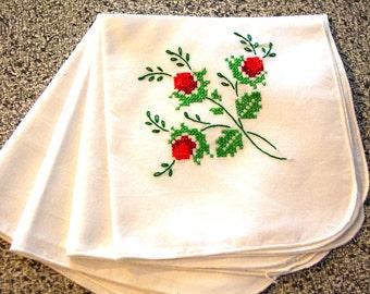 Vintage Set of 4 White Embroidered Napkins