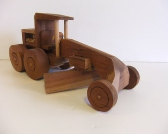 Vintage Grader, Wooden Toy Grader, Handmade toy, Solid Wood, no batteries need toy, primitive, Folk Toy, Display piece