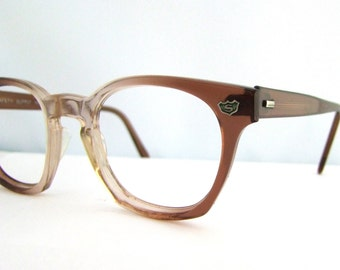 1960s Eyeglasses  // Fade out // Mad Men // Safety Supply brand/Superman would wear these