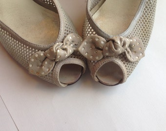 Bows At The Toes Shoe Sale .9 West mesh and perforated leather heels . summer peeptoe pumps - womens size 6