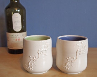 cocktail cup with scrolls, in Color Pop