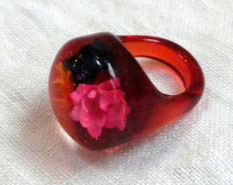 Red Lucite Ring Flowers Size 6.5