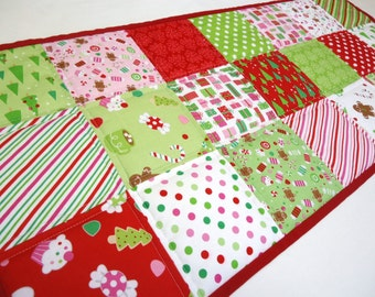Christmas Table Runner-Traditional Modern Quilted Table Runner-Christmas Table Runner-Christmas Candy-Homemade Table Topper-Red Green White