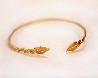Misty Arm Band, Dainty Gold Arm Bracelet, Bridal Arm Cuff, Wedding Arm Bracelet, Gold Leaves Grecian Arm Cuff, Bohemian Arm Bracelet,