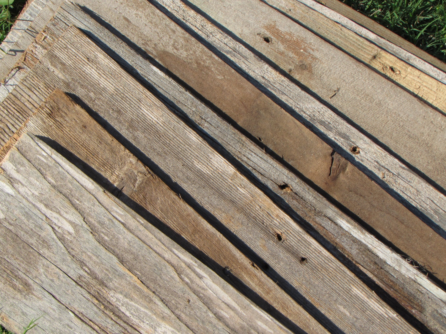 On sale reclaimed old fence wood boards