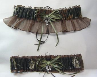 MOSSY OAK Camouflage Wedding Garters Deer Camo Garter Brown