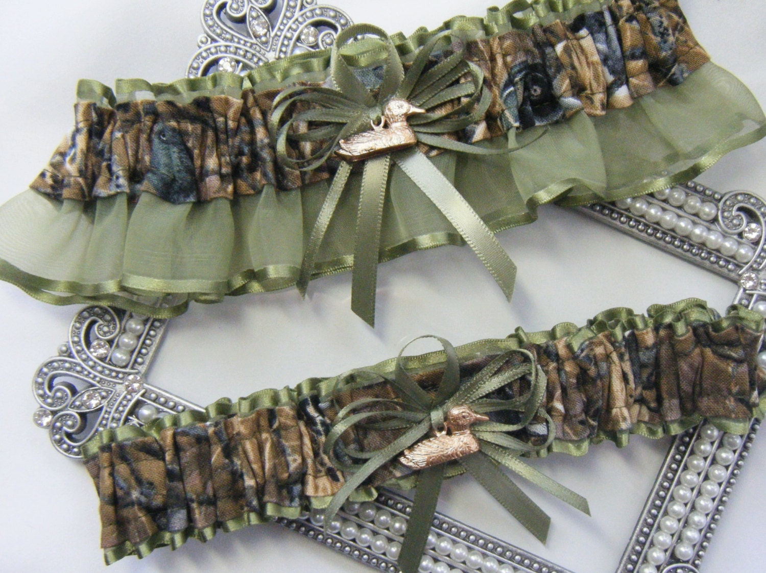 Duck Hunting CAMOUFLAGE wedding garters Duck Camo garter Moss
