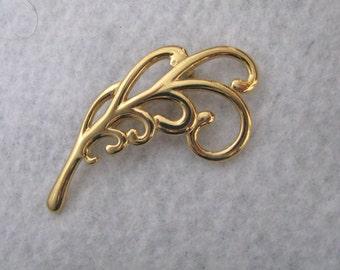 Gorgeous gold tone vintage swirl leaf design pin brooch