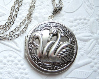 Silver swan locket, picture keepsake locket, statement necklace - BG695