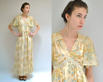 70s Hippie Maxi Dress  //  Sunflower Dress  //  FEATHER FLIGHT