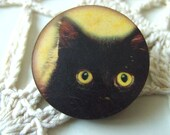 Black cat, kitten, brooch, wood, circle, yellow and black, by NewellsJewels on etsy