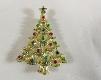 Vintage 1960s Gold Tone Christmas Tree Brooch Pin signed Gerrys