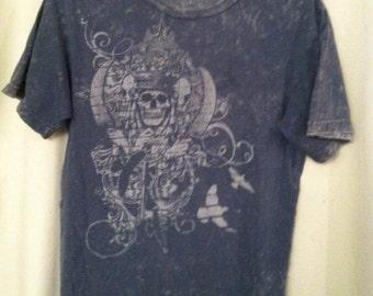 Stonewashed Grunge Skull & Dove T Shirt UNDER 20