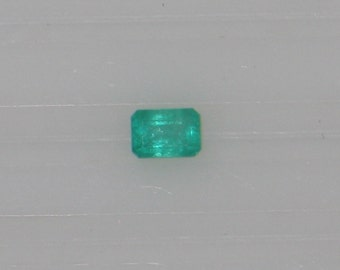 Emeralds -  0.45 Carat - Medium Light Emerald Green - Good Clarity - Deep Cut - Near Eye Clean