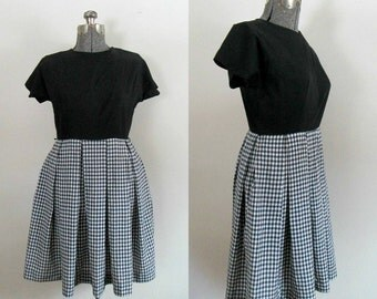 Checkered Flared Waisted Dress / Vintage Mid Century Rockabilly Navy Blue White