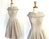 50s Swing Dress - 1950s dress - full skirt - cotton sundress - fit and flare - rockabilly - khaki dress - Small