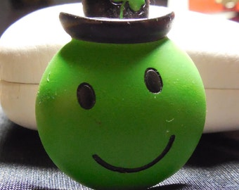Vintage St Patrick's Day Green Happy Face Pin with Clover in Hat - FREE SHIPPING