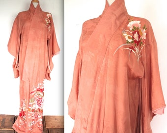 Vintage 1920s Kimono Robe // 20s 30s Coral Pink Hand Painted Silk Traditional Robe