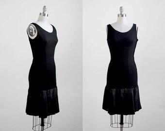 1960's sleeveless dress. 60's small dress. drop waist. flapper. black dress 60.