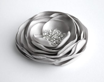 Grey Flower Hair Clip, Silver Flower Hair Accessory, Gray Wedding Hair Accessory, Flower Hair Piece, Bridal, Bridesmaid, Flower Girl Clip