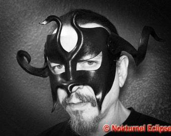 Masquerade Gladiator Black Leather Mask w/ HUGE Horns Fetish Spartan Viking Warrior Medieval Knight Horror Cosplay Halloween Costume UNISEX
