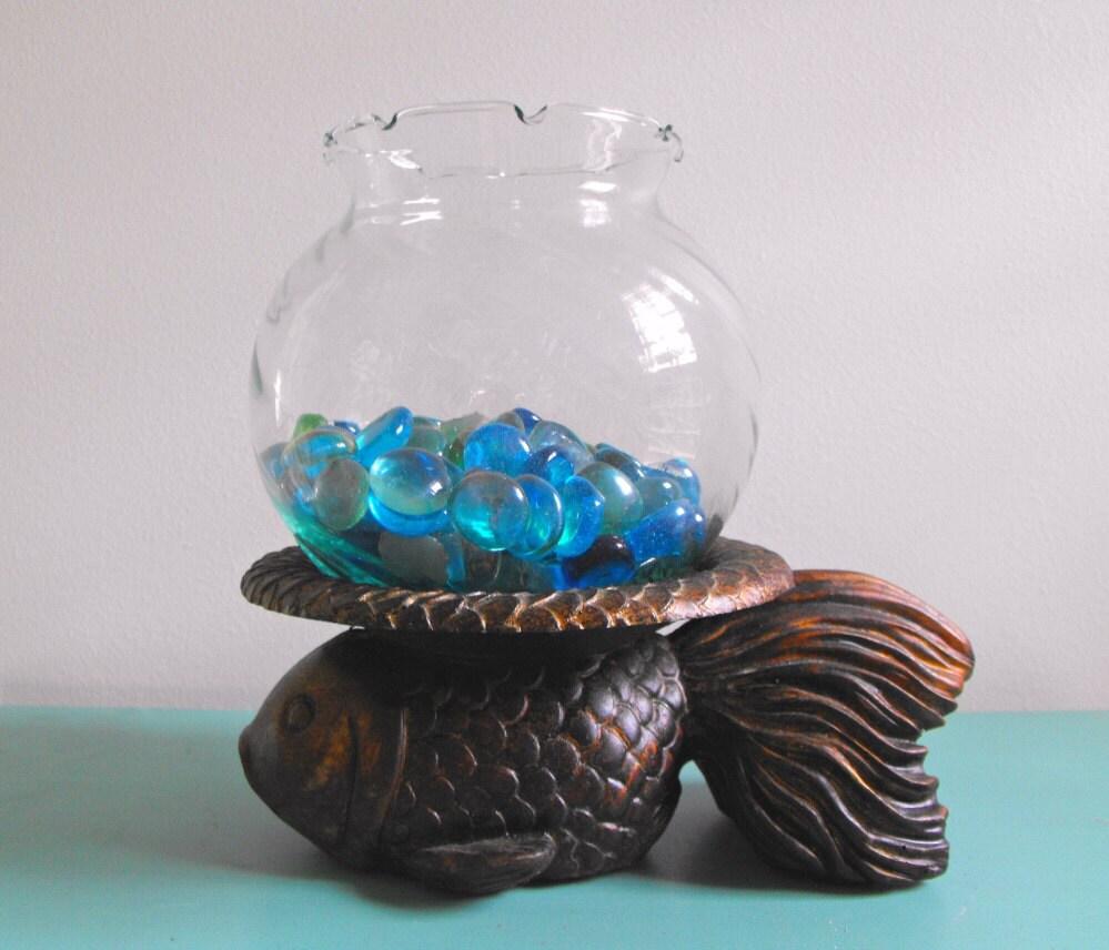 Vintage fish bowl on goldfish base dimensional fish with for Fish bowl fish