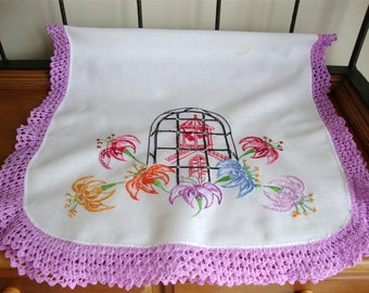 Vintage Embroidered Table Runner Dresser Scarf w/ Hand Crocheted Edge 20 x38