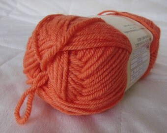 Universal Yarn Classic Worsted, worsted weight yarn, Cherry Tomato color