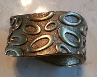 Vintage Gold Tone Metal Clamper Bracelet Hinged 1990s Statement Piece Costume Jewelry