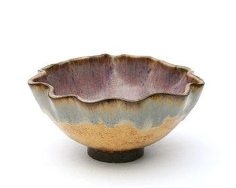 Rustic Ruffled Bubble Gum Bowl