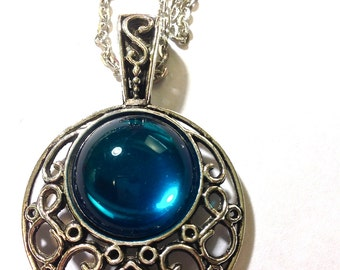 Emerald Teal Blue Cabochon Necklace