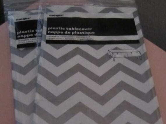 Plastic CHEVRON TABLE COVERS In Gray/Silver