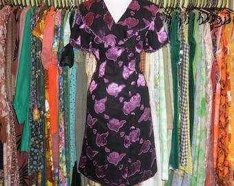 Vintage black purple iridescent berry print satin burnout dress 80s side button wrap gothic scalloped collar hourglass dress size large 12