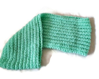 Knit Infinity Scarf, Knit Cowl in Mint, Womens knitted Cowl Scarf, Winter Scarf, Wrap Scarf, Mint Scarf