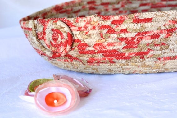 Red Roses Basket, Artisan Quilted Fabric Bowl, Handmade Remote Control Holder, Bath Organizer, Red Cat Bed Furniture