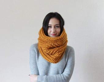 Chunky Knit Cowl Ribbed Textured Neckwarmer // The Bordeaux - BUTTERSCOTCH