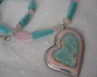 Paper bead necklace- heart