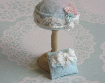 Handmade 1/12th scale dollshouse moulded pale blue felt and lace cloche style hat and matching bag