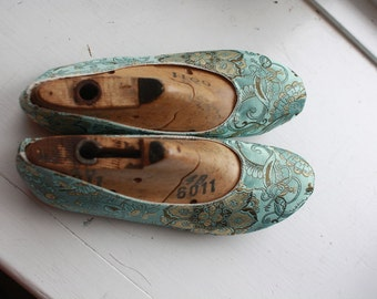 US 6 / Euro 35.5 / UK 4.5, indoor silk slippers