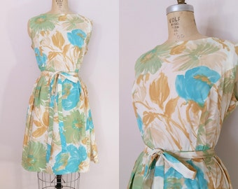 1960s Dress // MORNING DEW DRESS // Vintage 60s Rayon Floral Dress // Large