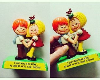 Vintage Kitsch Kissing Cousins Style Decor Figurine