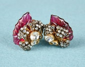 Vintage Signed Robert Clip Back Earrings Pearl Tiny Rhinestone Leaf Cluster -OS