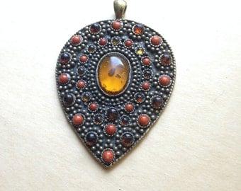 70's Vintage Amber Pendant Necklace
