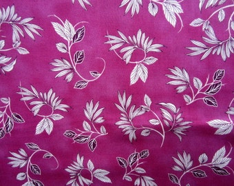 Lola Leaves on Fuschia cotton quilting fabric for Quilting Treasures