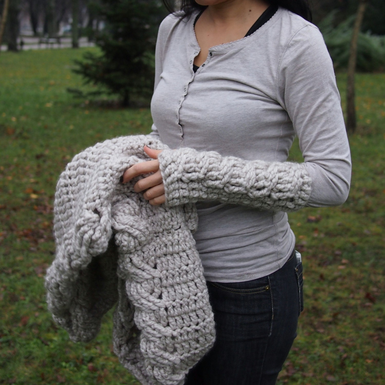 Crochet pattern very winter fingerless gloves zoom bankloansurffo Images