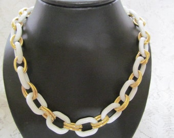 Vintage Avon White and Gold Tone Link Necklace