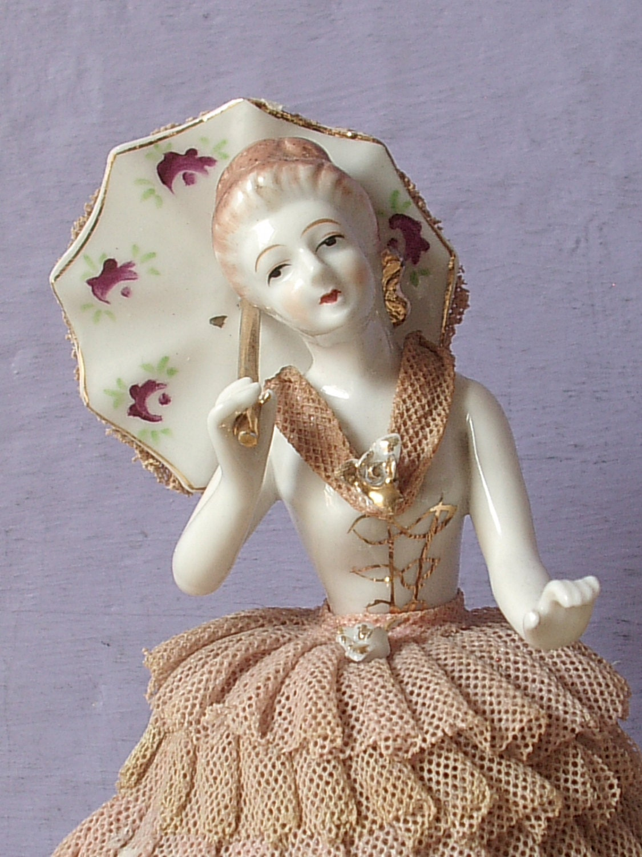 Vintage Japan Figurines 98